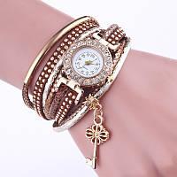 Красивые женские часы коричневые с ключиком