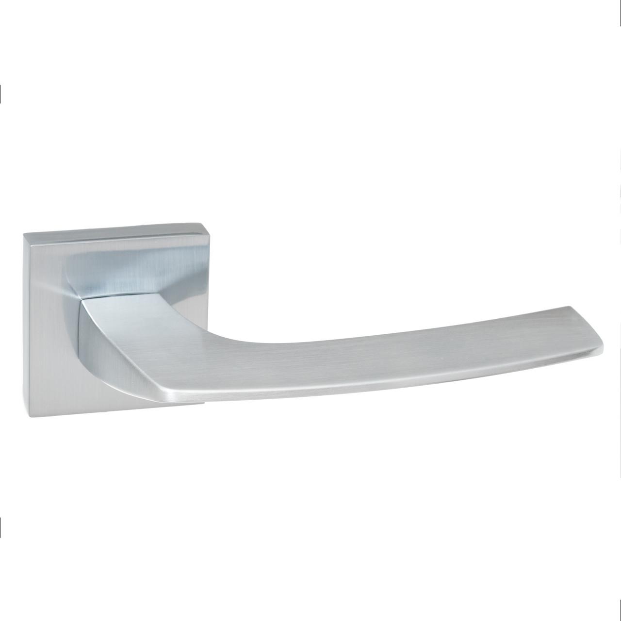 Итальянская дверная ручка LINEA chrom mat