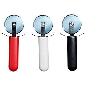 IKEA STAM (002.332.50) Нож для пиццы, красный, белый/черный