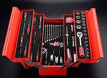 Ящики и тележки с набором инструментов