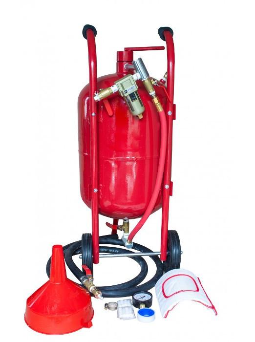Пескоструйный аппарат Carmax (38 литр). Напорного типа. Рабочее давление – от 4,5 до 7 Bar