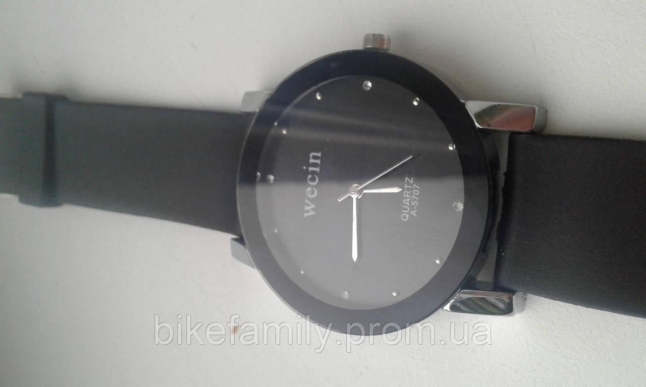Кварцевые мужские часы Wecin