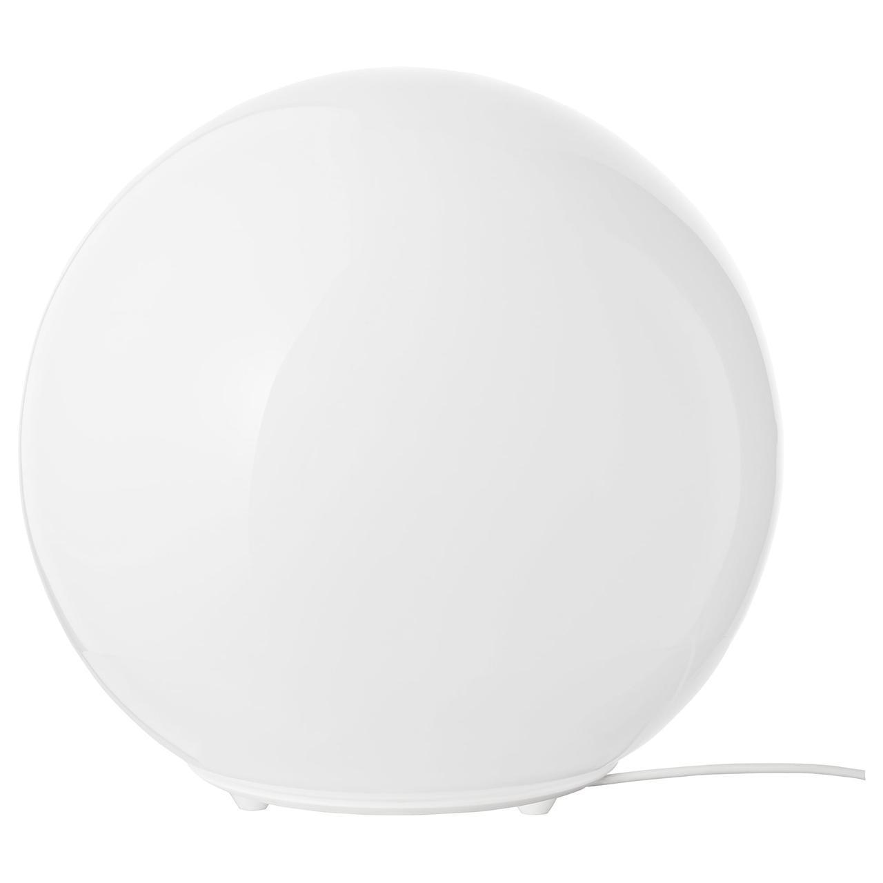 IKEA FADO (800.963.72) Настольная лампа белого цвета