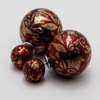 Модные серьги-пусеты с необычными рисунками на жемчужине