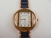 Женские часы Chanel (Шанель) 012879 золотистые с черными вставками в стразах