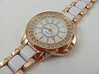 Женские часы Chanel (Шанель) 012881 золотистые с белыми вставками в стразах