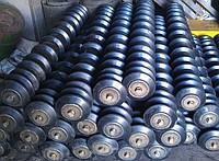 Футеровка, обрезинка, гуммировка роликов виброизоляционными резиновыми кольцами,- полиуретановыми.
