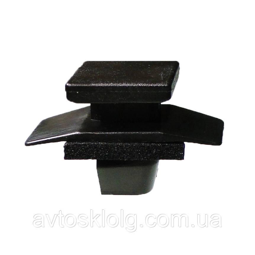 Кріплення обшивки/молдингів, дві і більше капелюшків