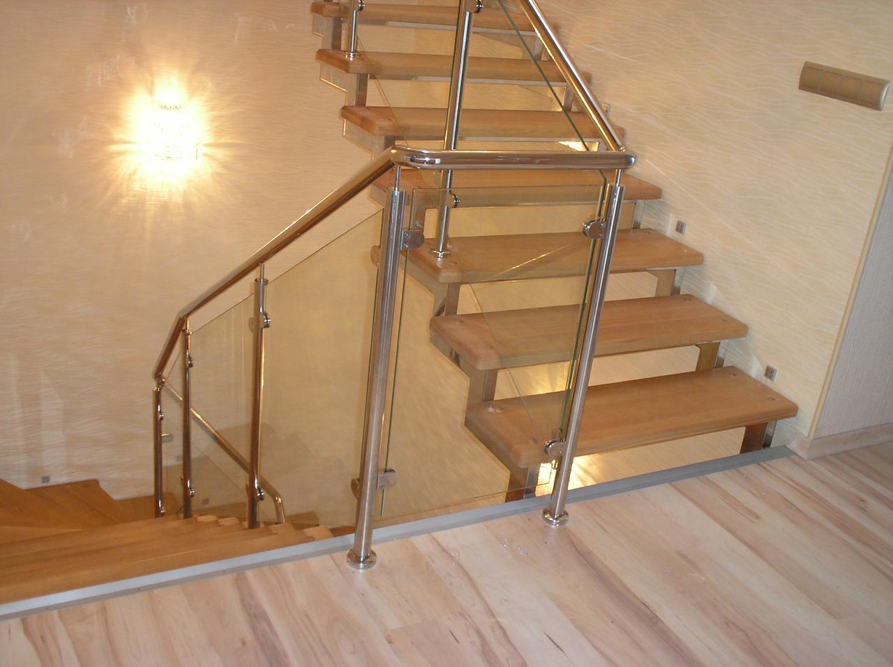 Лестница открытая из нержавеющей стали