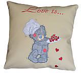 Автомобільна подушка з вишивкою Ведмедиків Тедді, фото 2