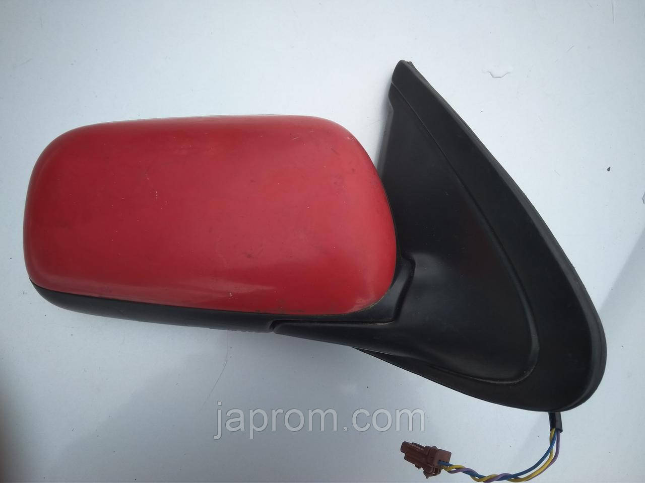 Зеркало заднего вида правое Nissan Almera N15 3 двери Красное