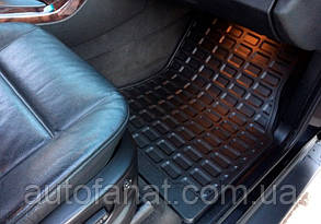 Комплект оригинальных ковриков салона для BMW X5 (E53)  резиновые черные (51470000578 / 51470000579)