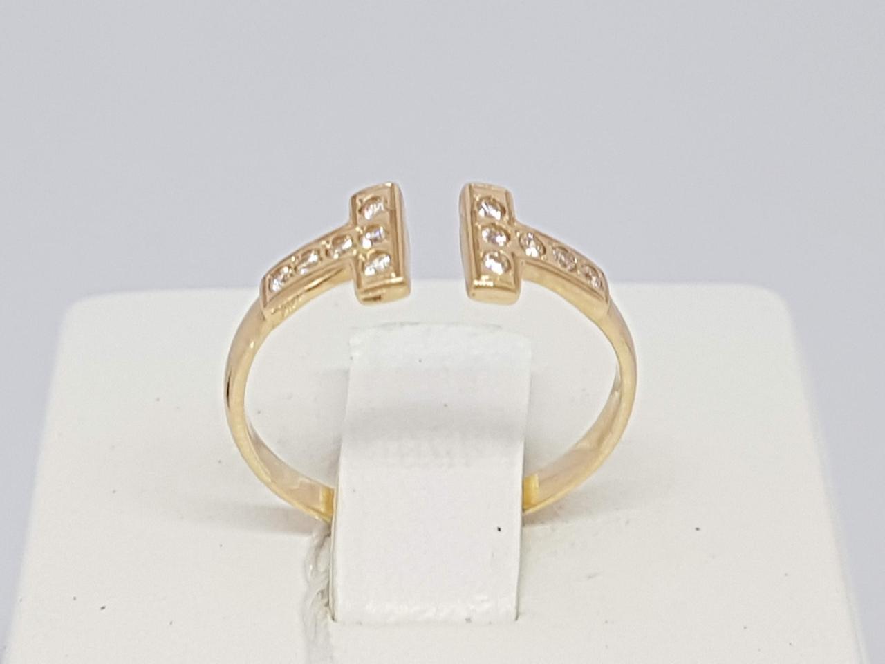 Золотое кольцо с фианитами. Артикул КВ1078И 17,5