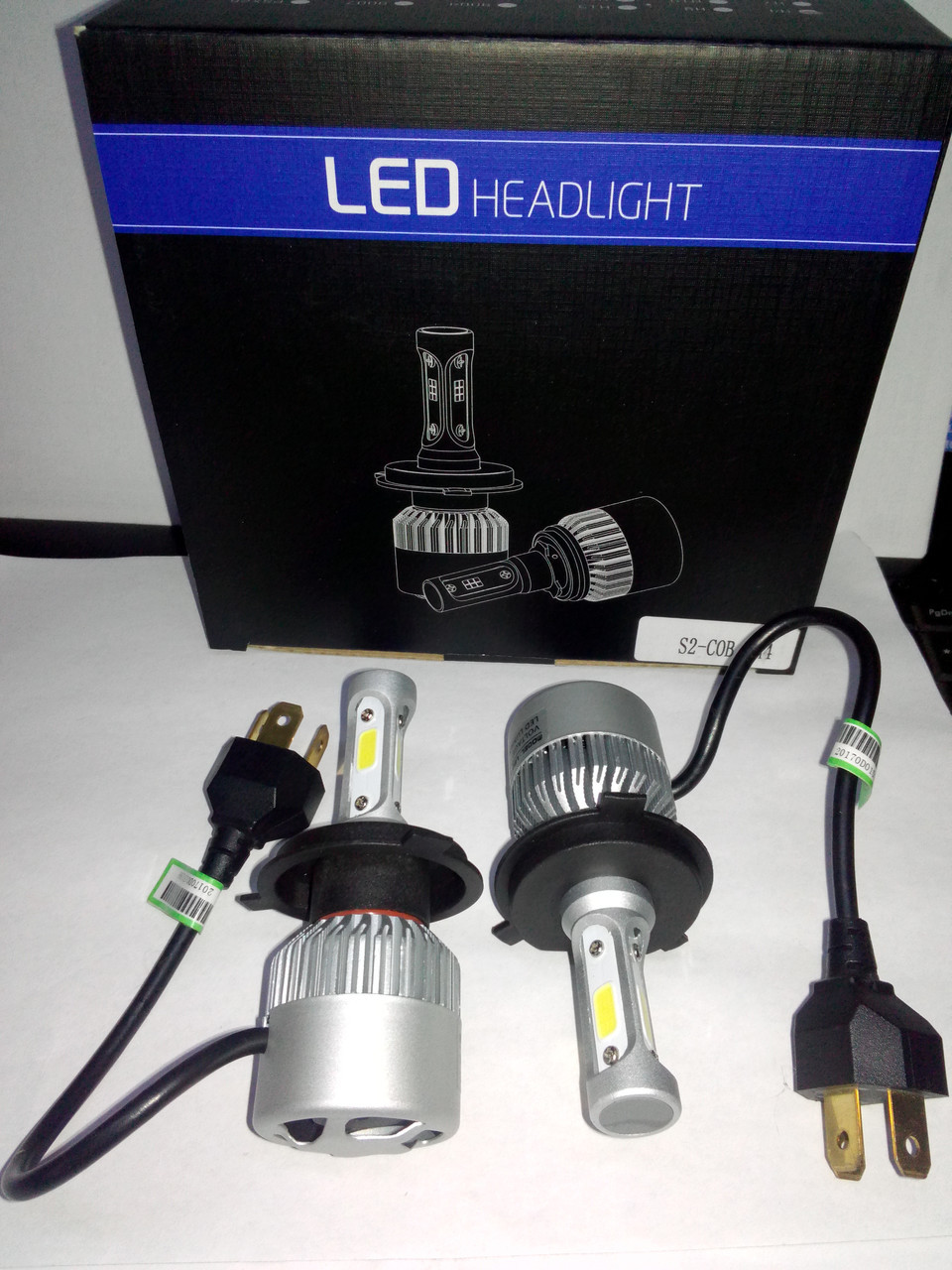 Комплект ксенона для машини LED лампы Xenon S2 H7 Ксенон автомобильный свет