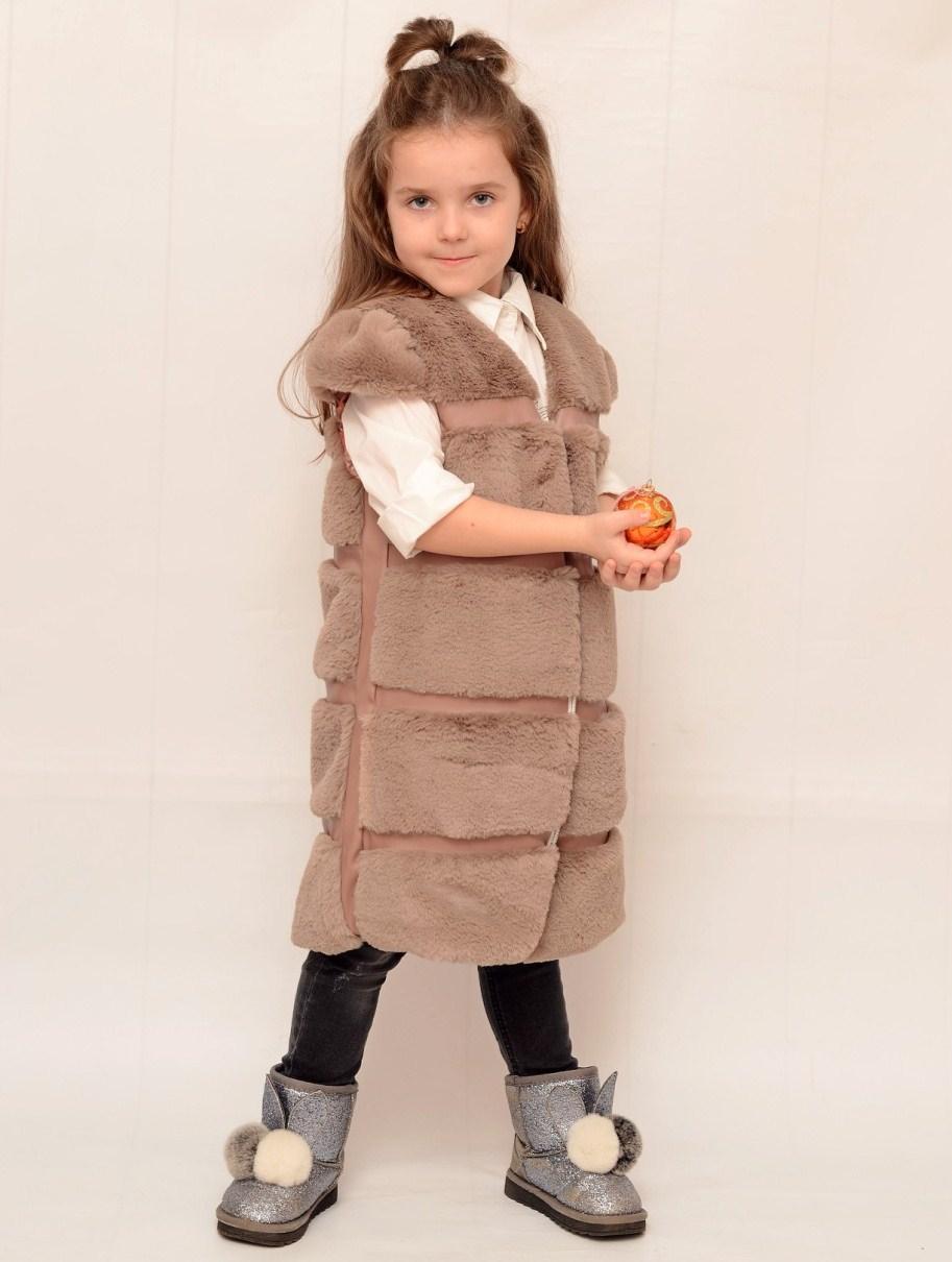 Жилетка меховая для девочки 6-8 лет бежевая
