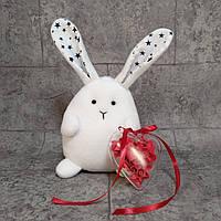 Игрушка Влюбленный зайчик