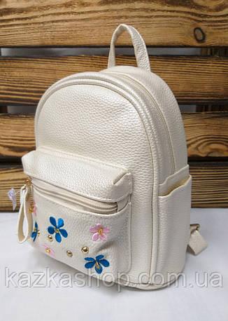 Маленький рюкзак из искусственной кожи кремового цвета с вставками цветов, фото 2
