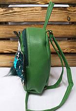 Маленький рюкзак с паетками из искусственной кожи светло зеленого цвета с совушкой, фото 3