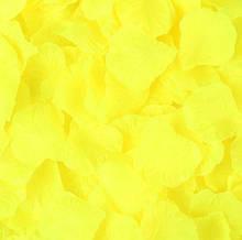 Набор желтых лепестков роз - в наборе около 100шт., размер лепестка 5*4,5см, текстиль