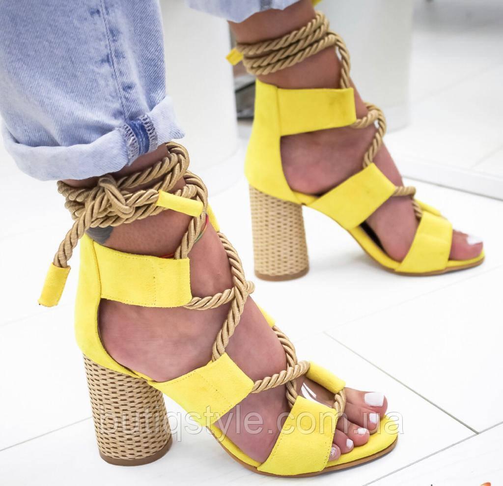 Яркие желтые женские босоножки на шнуровкеэко-замша Турция лето 2019