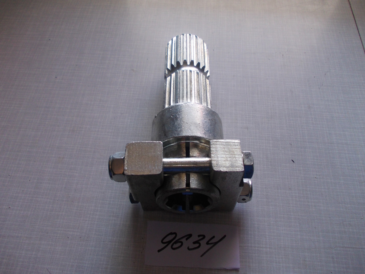 Адаптер (переходник) ВОМ (с втулки Z 6 на вал Z 20) усиленный