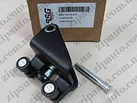 Средний ролик правой раздвижной двери Renault Trafic / Opel Vivaro BSG 70-312-072