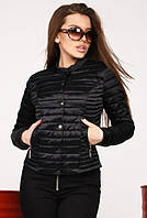 Женская короткая весенняя куртка