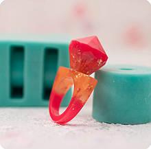 Силиконовый молд на 2 кольца 17,5 мм (вертикальная отливка) и граненый кристалл 18х18мм