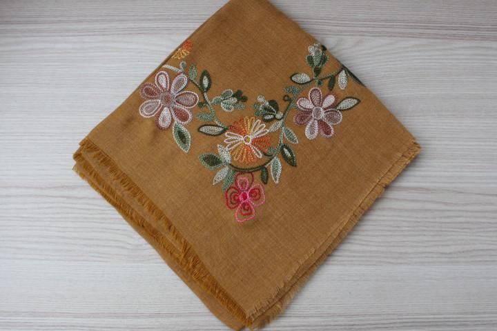 """Турецкий ленной платок """"Роксана"""" с вышивкой"""
