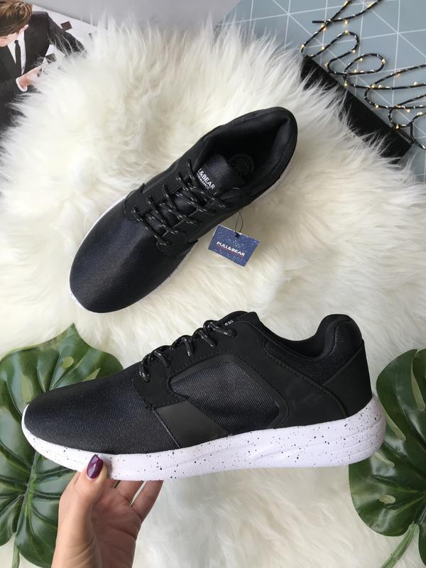 Мужские кроссовки черные Pull&Bear