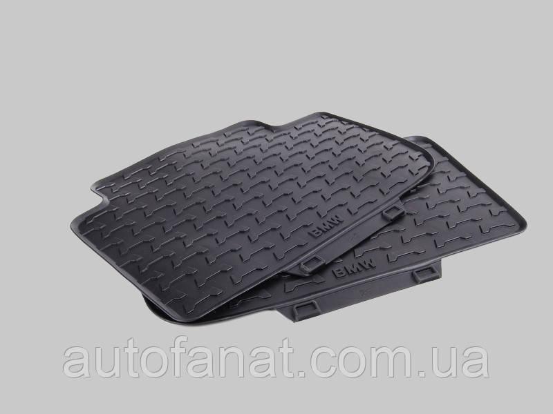 Оригинальные задние коврики салона BMW X3 (E83) (51470428952)