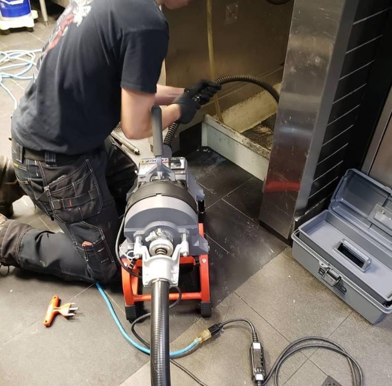 Механическая прочистка канализаций и сточных труб