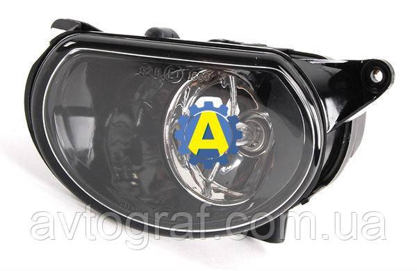 Противотуманная фара левая и правая на Ауди Q7 (Audi Q7) 2005-2009
