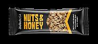 Энергетический батончик Biotech Nuts and Honey 35 г.