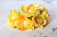 Цветы с жемчуженой  диаметр 4 см желтого цвета, фото 1