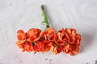 Декоративные бумажные цветочки, розы 2 см 12 шт/уп. на ножке оранжевого  цвета