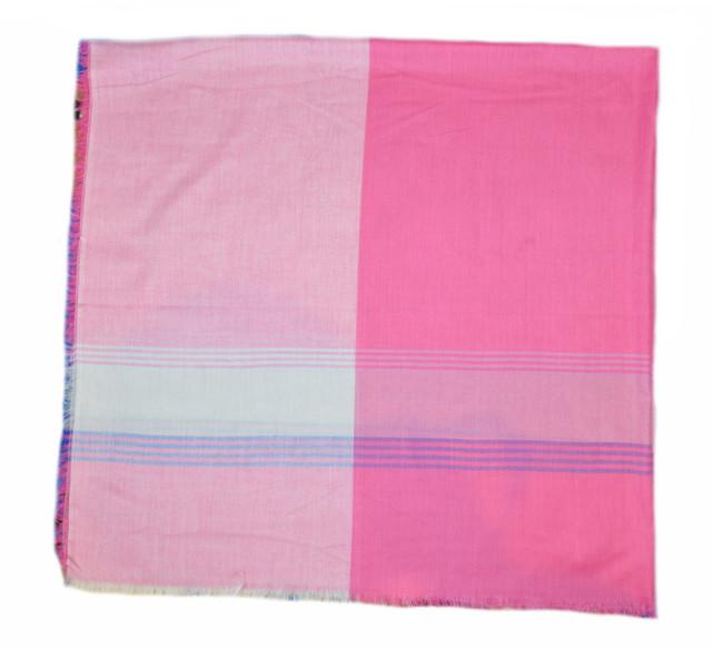 Розовый большой хлопковый платок в клетку 2