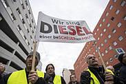 Сотні протестів у Німеччині проти заборони на старі дизельні автомобілі