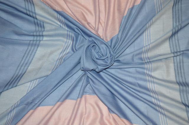 Синий большой хлопковый платок в клетку 3