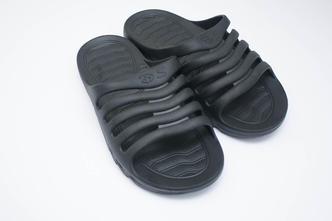 Мужские шлепанцы  (Код: П-18 черный )