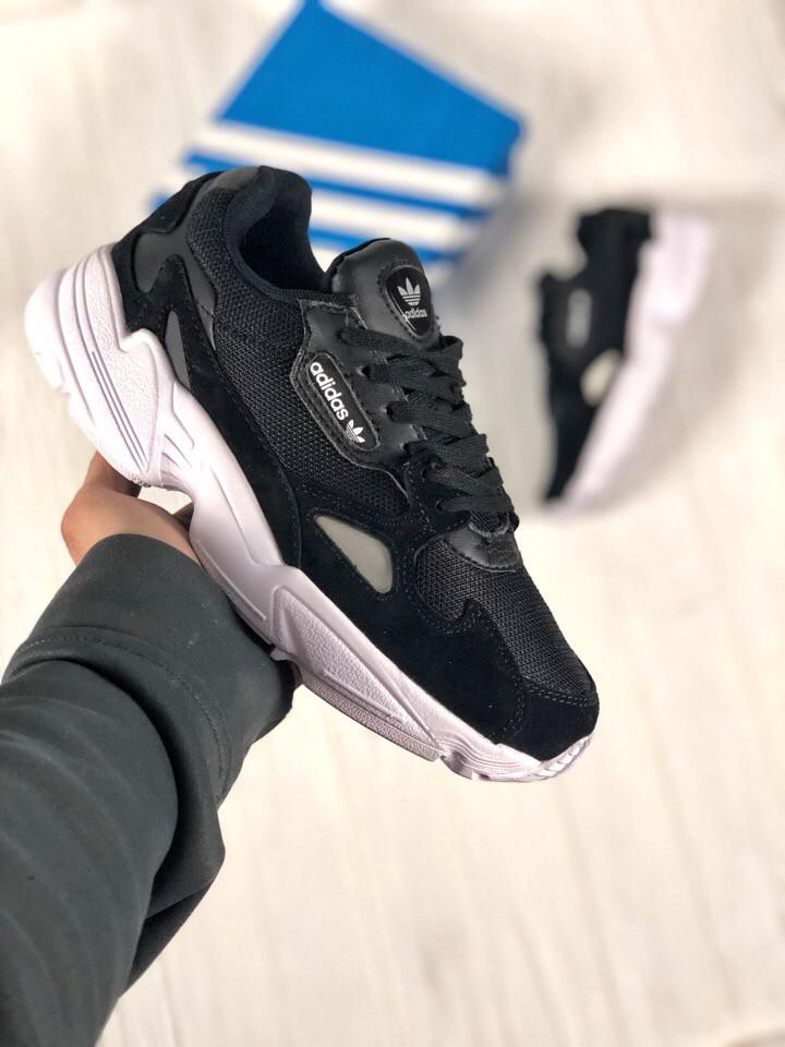 Мужские черные кроссовки в стиле Adidas Falcon (black/white), (Реплика ААА)