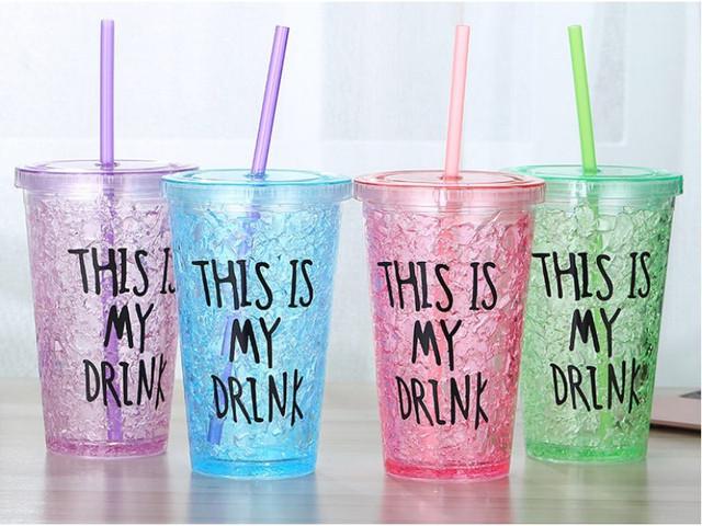Пластиковые стаканы и шейкеры
