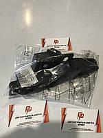 Направляющая бампера передня правая для Audi Q7 4M0807284B
