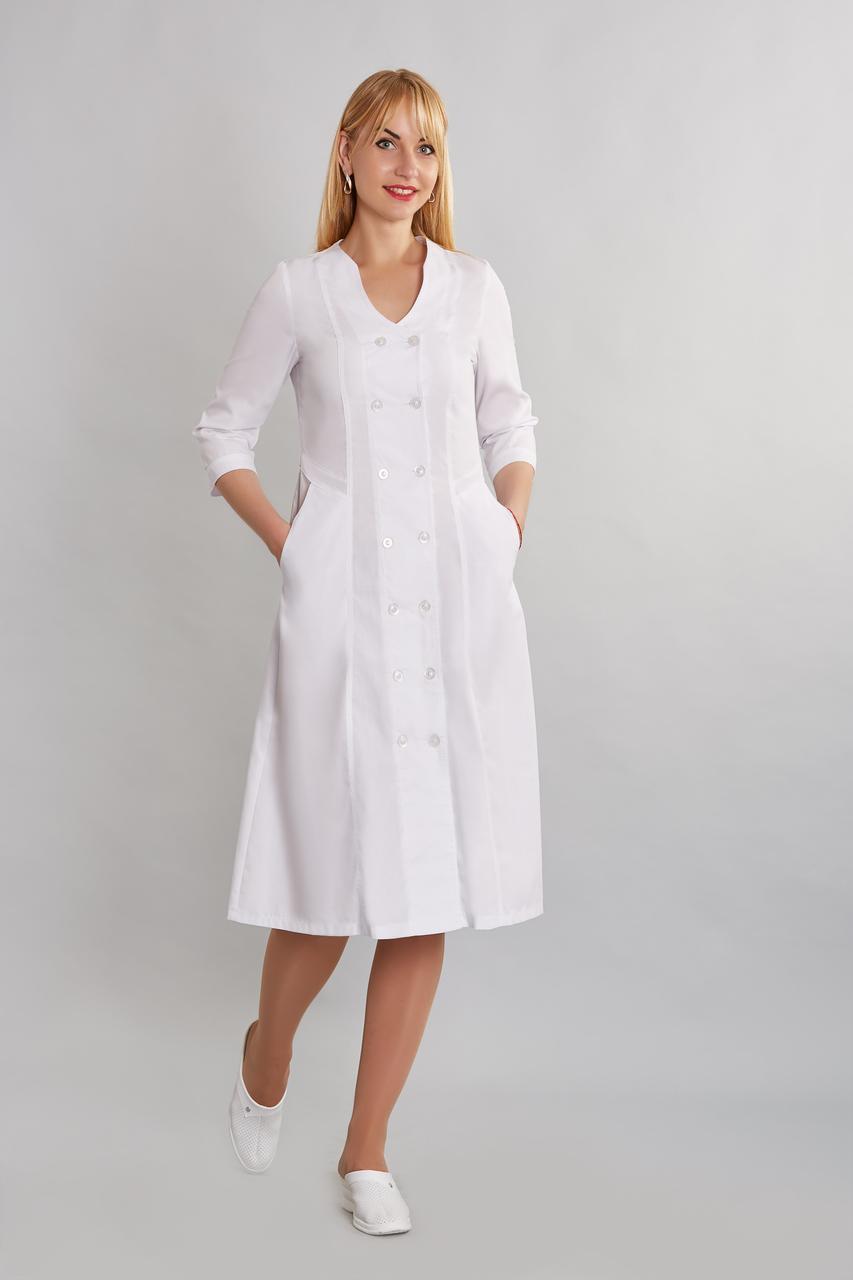 Длинный медицинский женский халат с фигурной горловиной 54-68