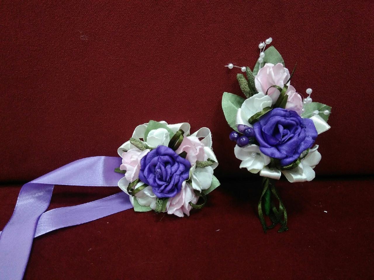 Весільні бутоньєрки (на піджак і на руку) фіолетові з рожевим і молочним