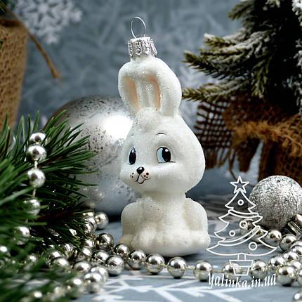 Стеклянная елочная игрушка Зайчик беленький Irena , фото 2