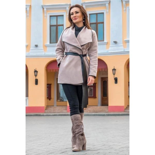Бежевое женское пальто Констанция