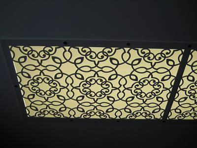 Підвісні ажурні стелі, світильники, бра, лампи