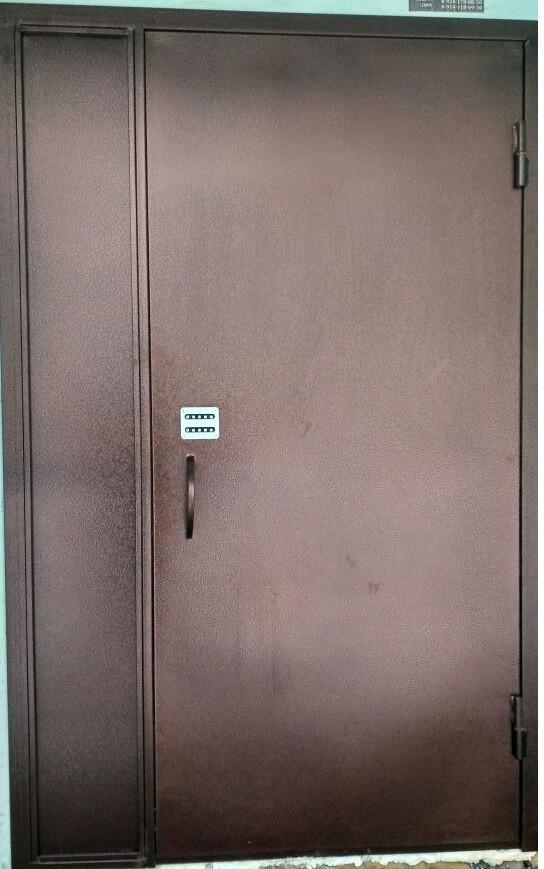 Двери в подъезд с утеплением