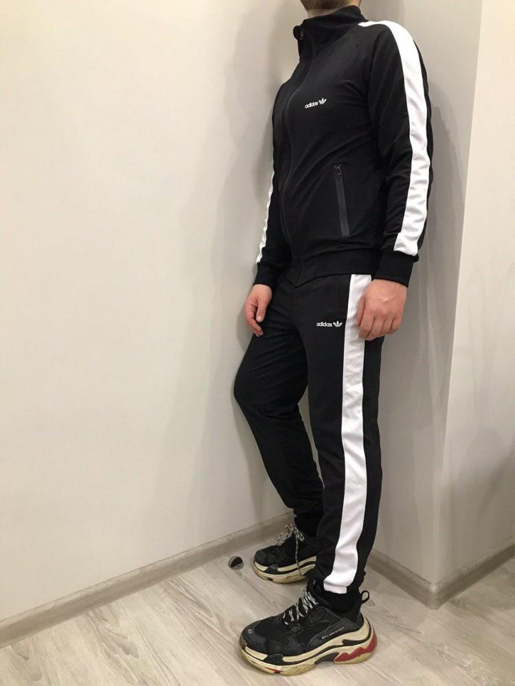 Спортивный костюм Adidas, черный с белыми лампасами